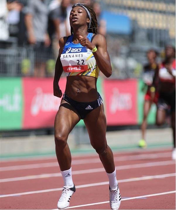 ... l équipe de France pour l occasion   Déborah Sananes (Ambérieu AC)  (400m et relais 4x400m) 4110fac0894